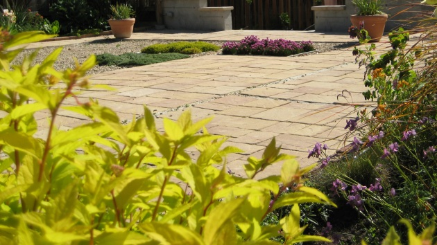 Albright-Souza Garden Design Petanque Court With Inserts001