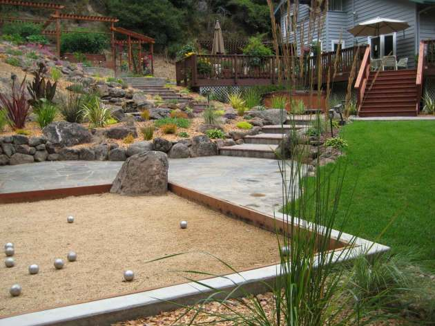 per-joy Albright-Souza Bocce Petanque Court with Boulder