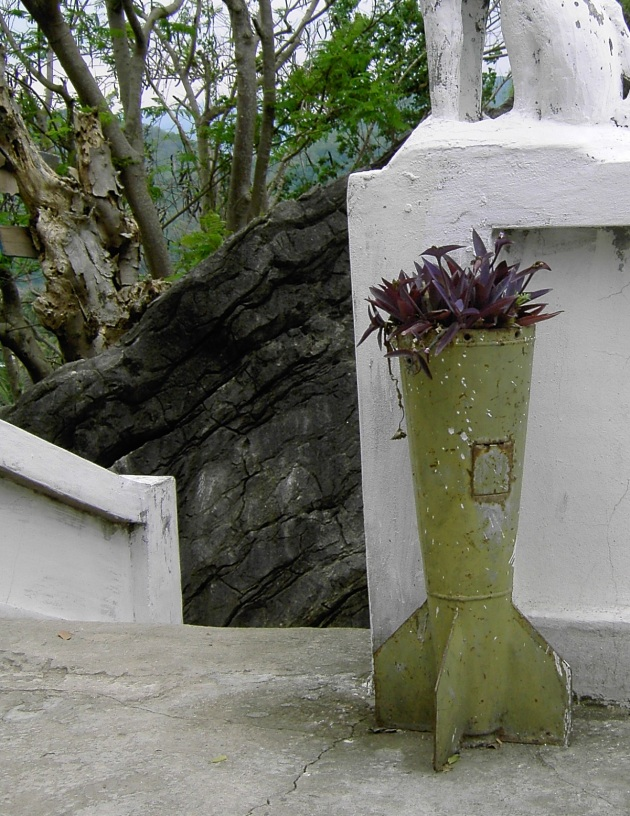 Albright-Souza Laos Temple Casing