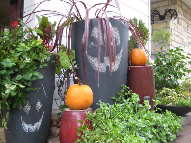 Chalk Jack-o-lanterns