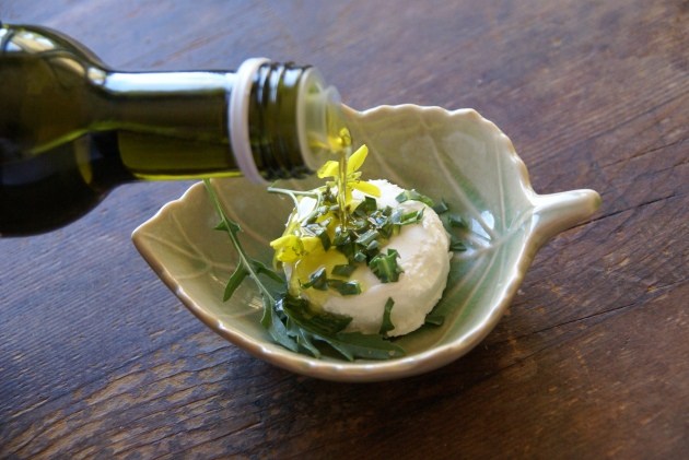 Wild Rocket with Goat cheese and Olive Oil