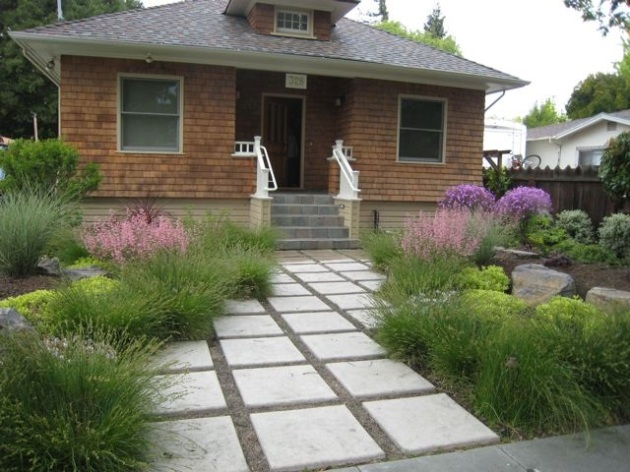 contemporary craftsman entry path landscape